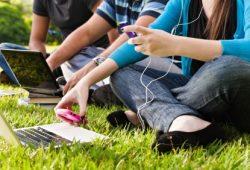 "Redefining ""Social"" As Millennials Switch Mediums 27 Times An Hour"