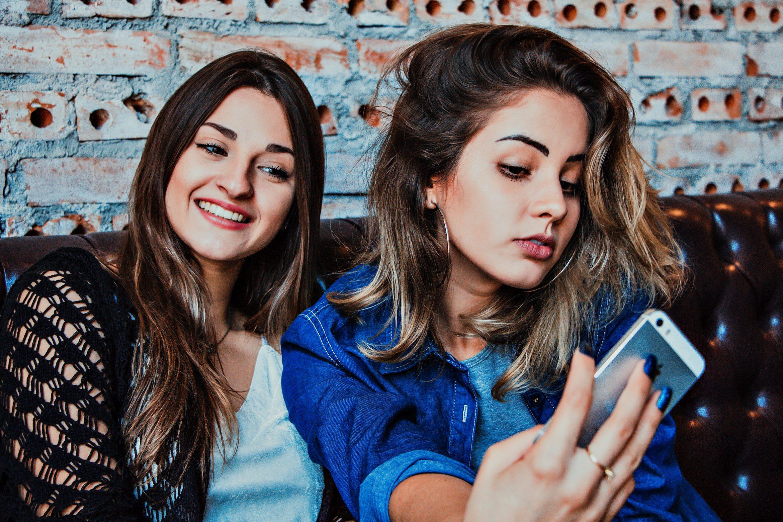 3 Graphs That Show Snapchat Is Rebounding With Millennials & Gen Z