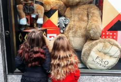 5 Retailers Cashing In On The Fall of Toys R Us